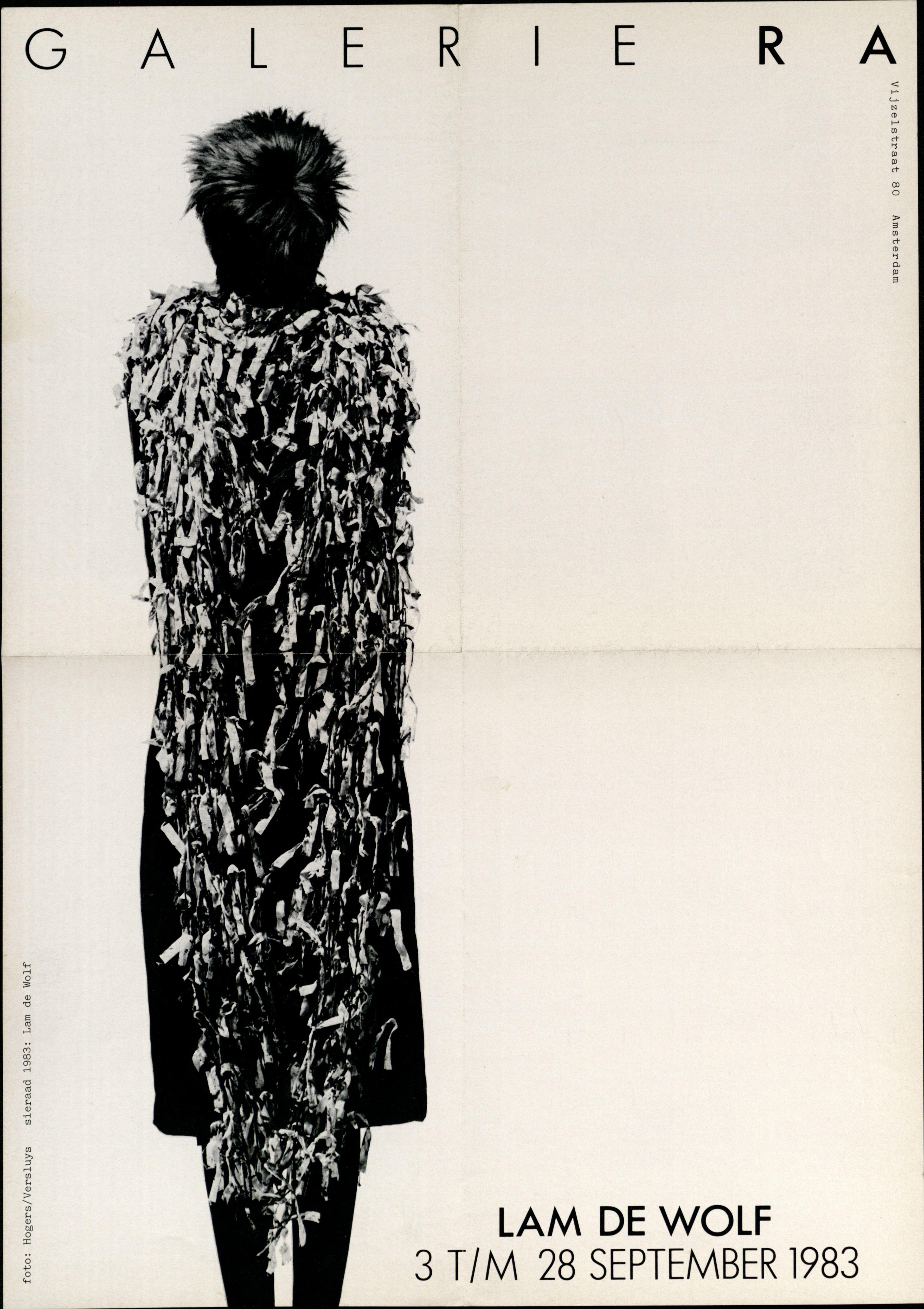 Ra Bulletin 5, september 1983, voorzijde met poster, halssieraad van Lam de Wolf, foto Hogers/Versluys, drukwerk, papier, textiel
