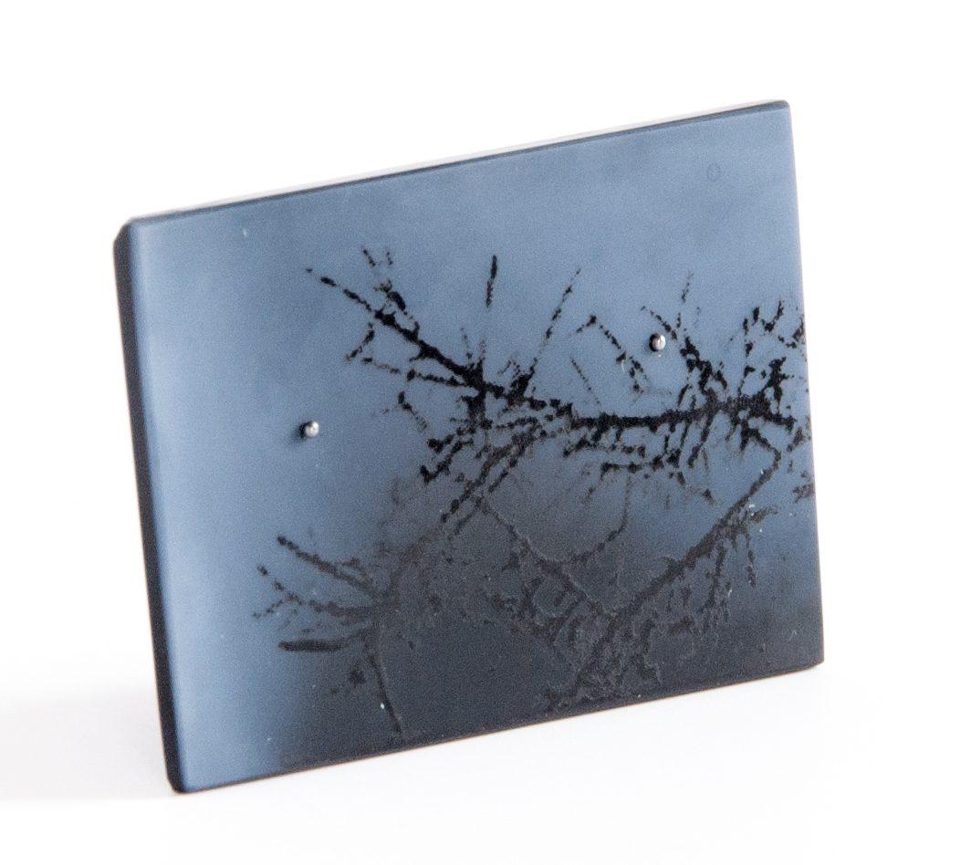 Alejandra Solar, Aire negro, broche, 2017, agaat, zilver