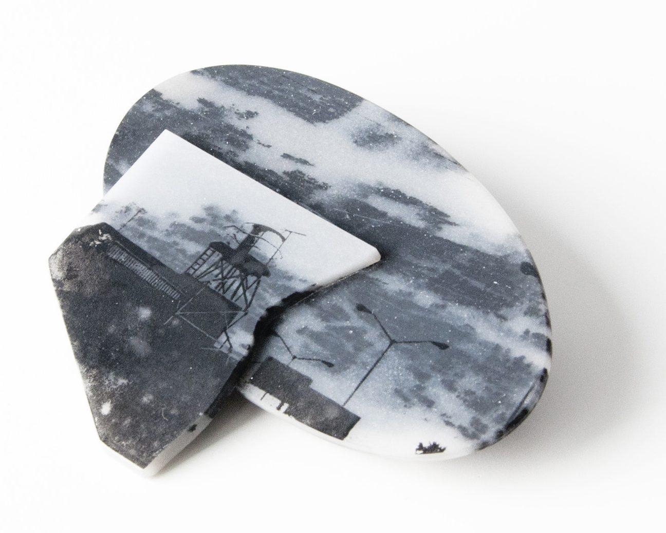 Alejandra Solar, Camuflage, broche, 2017, zilver