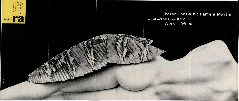 Ra Bulletin 64, februari 1992, voorzijde met foto van Ton Werkhoven met object van Peter Chatwin en Pamela Martin, drukwerk, papier, hout