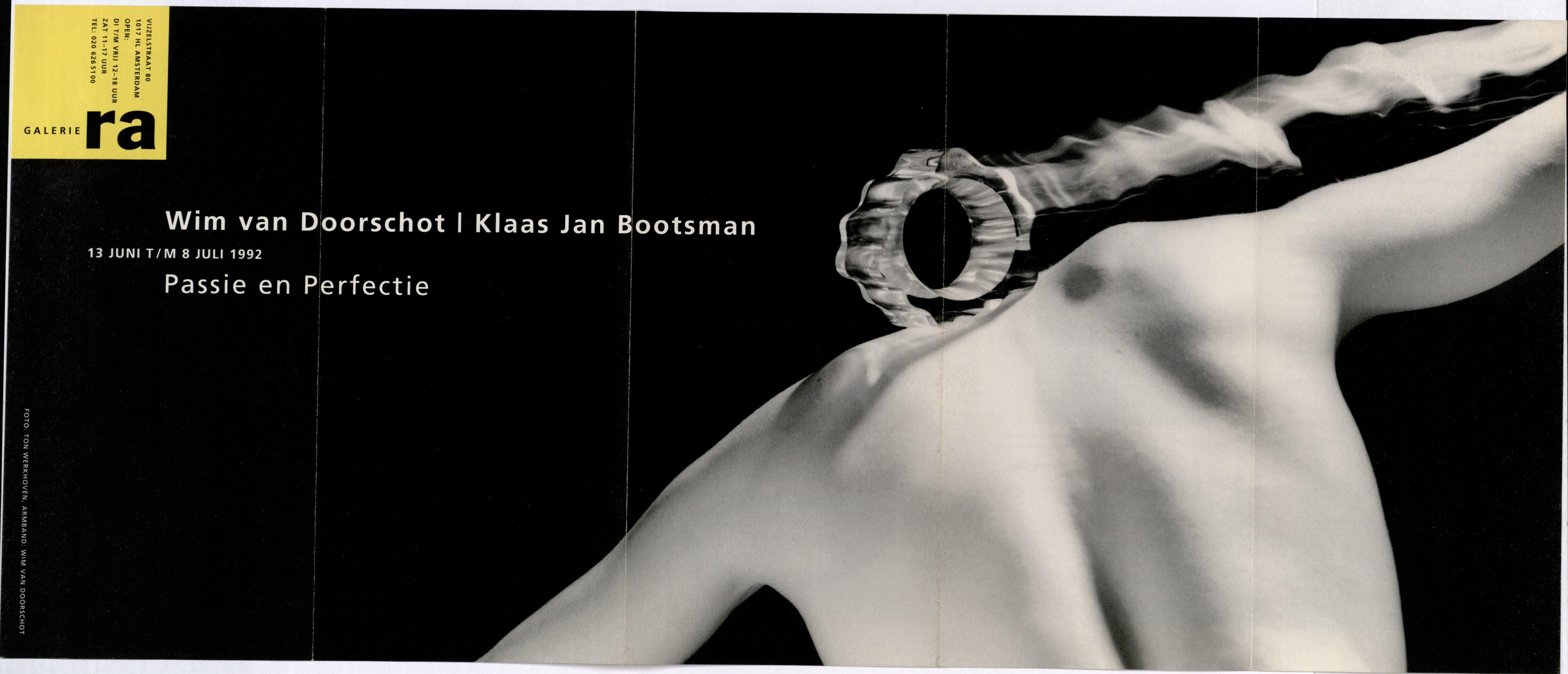 Ra Bulletin 67, juni 1992, voorzijde met foto van Ton Werkhoven, met armband van Wim van Doorschodt, drukwerk, papier, acrylaat