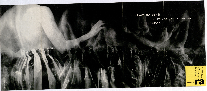 Ra Bulletin 68, september 1992, voorzijde met foto van Ton Werkhoven met broek van Lam de Wolf, drukwerk, papier, textiel