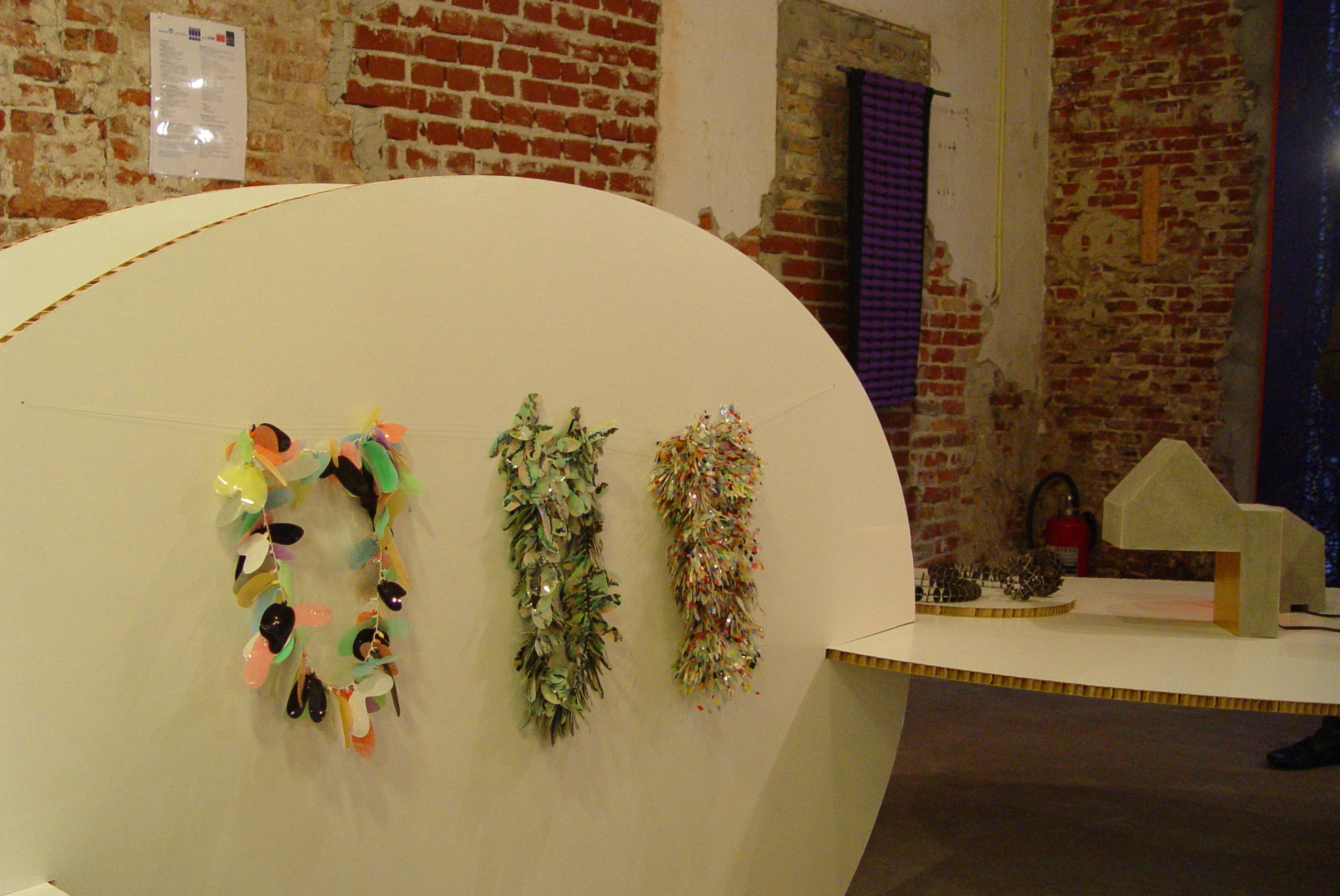Sarah Enoch, halssieraden, Beyond Material, tentoonstelling, foto Birgit Laken