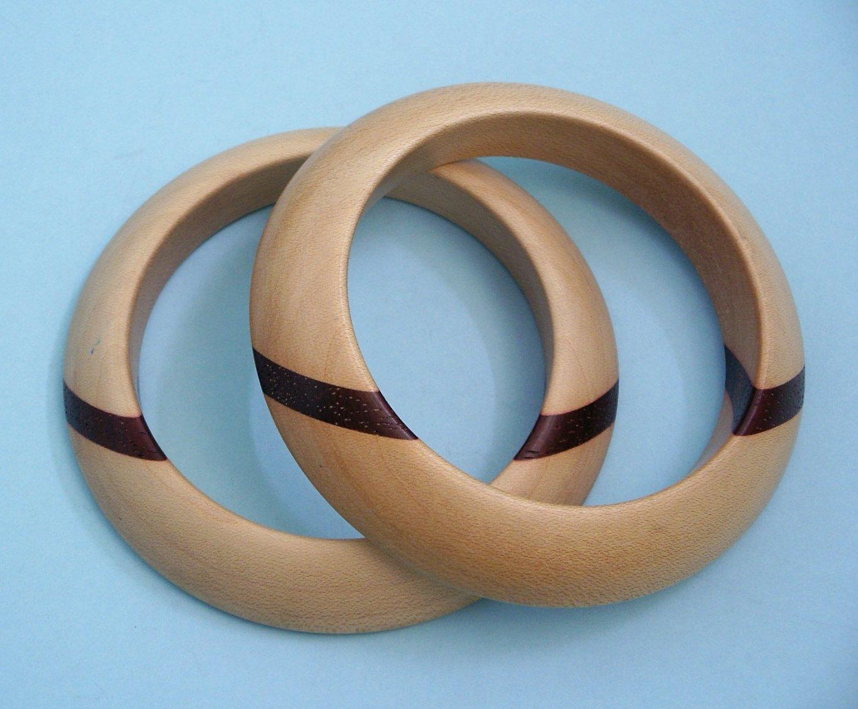 Janke IJff, armbanden, 1975-1979. Particuliere verzameling, hout
