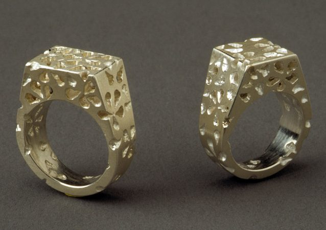 Sondra Sherman, White Lace 'Gents' Rings, ringen, 1999