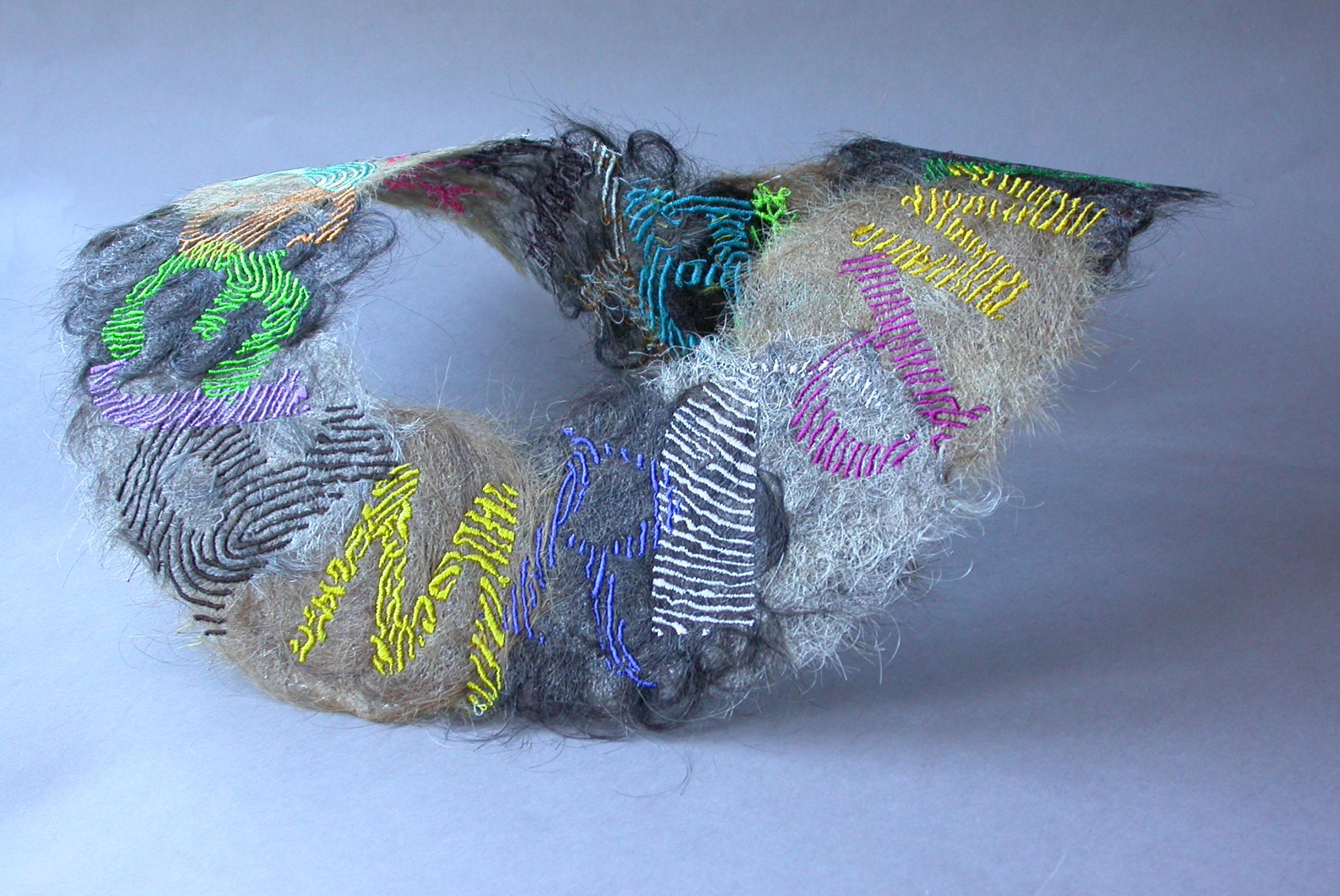 Hilde Foks, Always myself, halssieraad, 2006, textiel