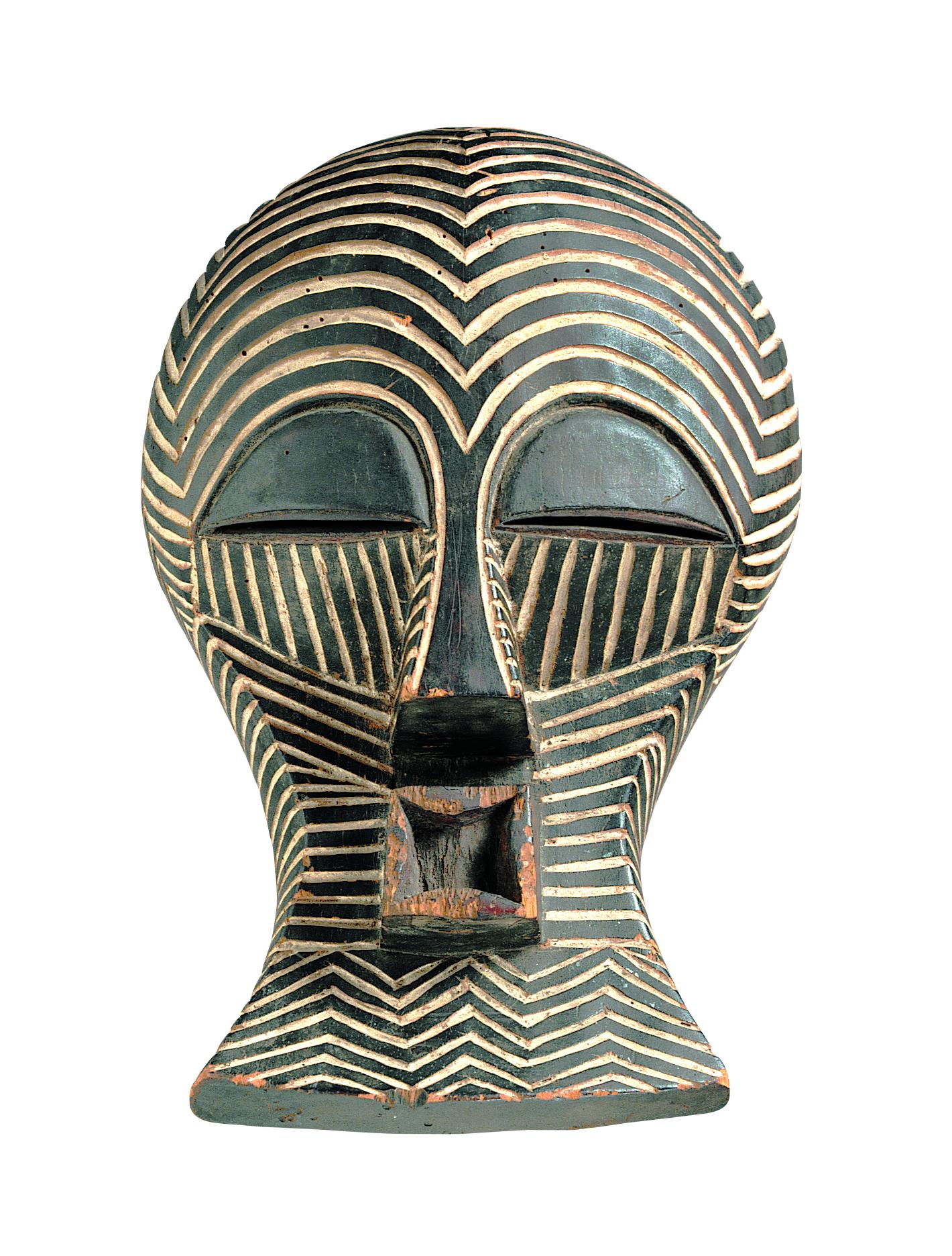 Gelaatsmasker (Kifwebe) Luba/Songye volken, Democratische Republiek Congo, begin 20ste eeuw. Collectie MAS, AE.0335. Foto Michel Wuyts