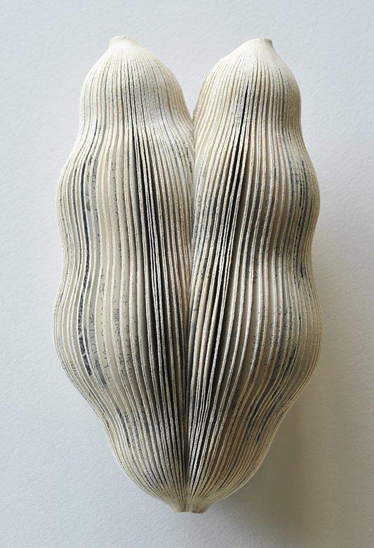 Michihiro Sato, Dawn, broche, papier, zilver, roestvrij staal, verf