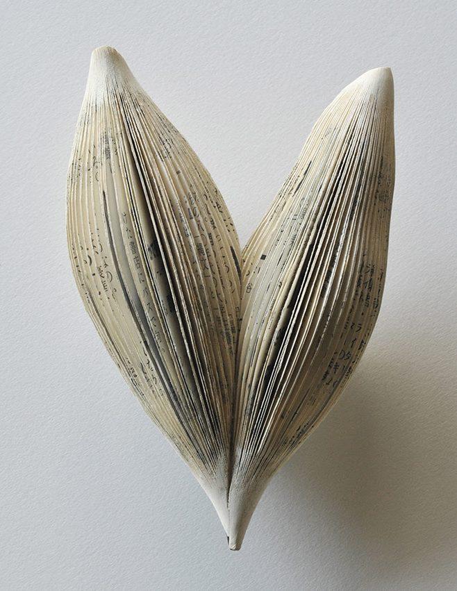 Michihiro Sato, Subtlety, broche, papier, zilver, roestvrij staal, verf, nikkel