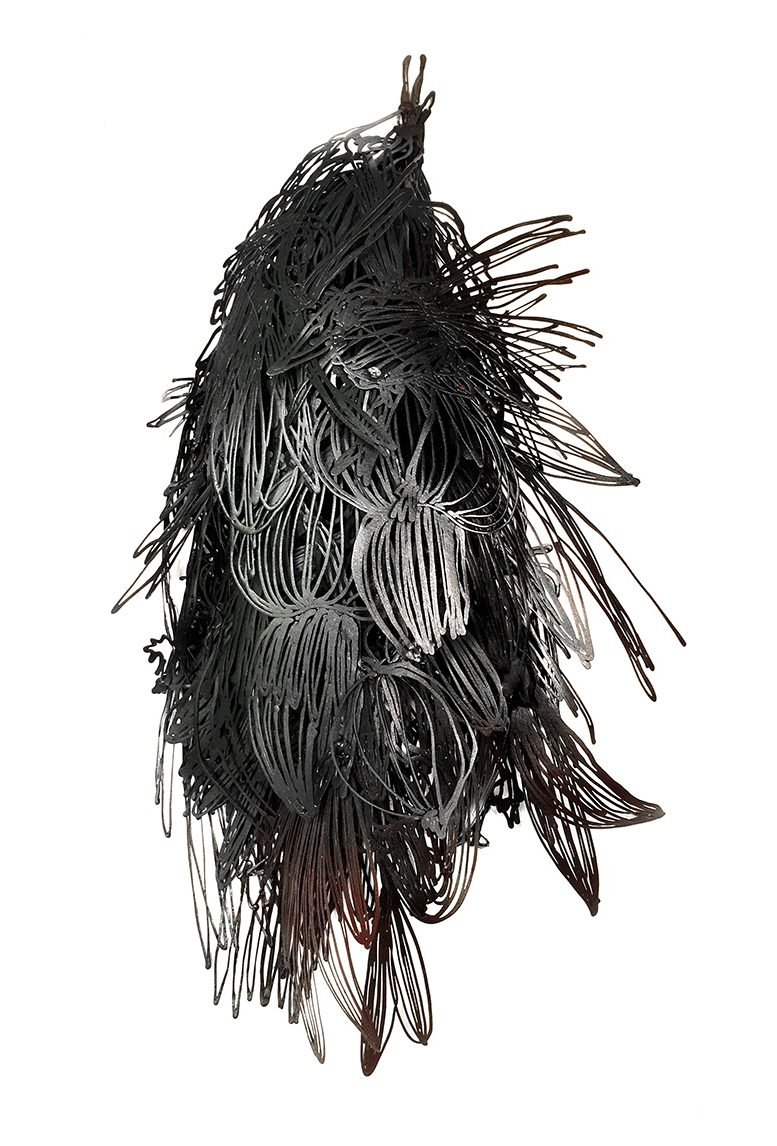 Sofia Björkman, What has the bird done?, broche, 2016, metaal, staal, verf