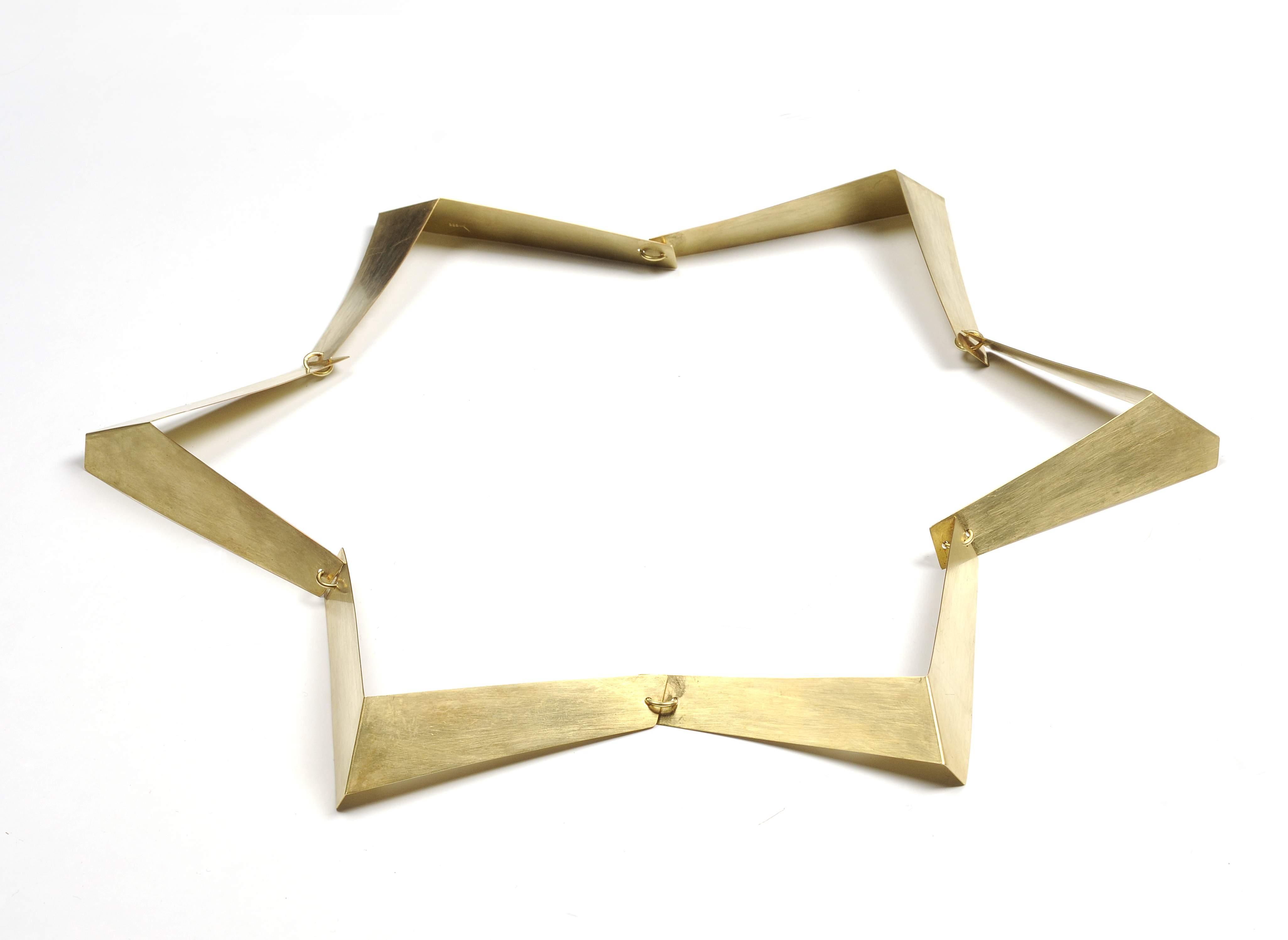 Dorothea Prühl, Zickzack, halssieraad, 1999. Collectie CODA, goud