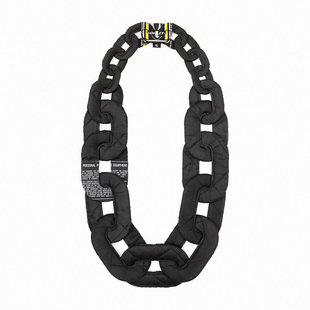 Veronika Fabian, Biker's necklace, halssieraad, 2020, leer, metaal, achterzijde