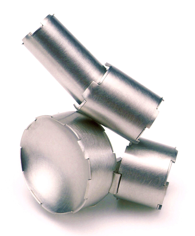 Simon Cottrell, Tubes, broche, 2003, Monel 400, roestvrij staal