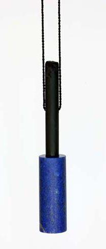 Warwick Freeman, Black and Blue Poles, halssieraad, 2011, koord, lapis lazuli, Argilliet