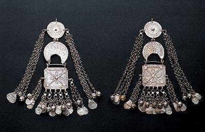 Oorsieraden, Jemen, 1850-1899. Collectie World Jewellery Museum, zilver