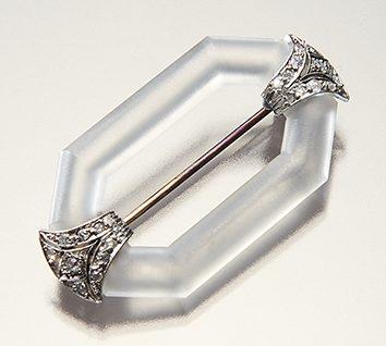 Broche, Frankrijk, 1920-1925. Collectie World Jewellery Museum, bergkristal, diamant, platina