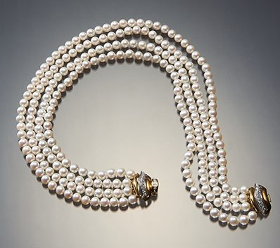 Halssieraad, Italië, 1960. Collectie World Jewellery Museumgoud, Mikimoto parels
