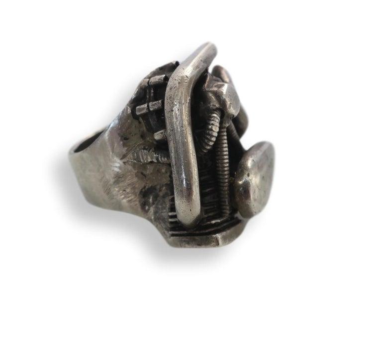 Harley Davidson Biker ring, ring, 2004. Foto Kimberly Klosterman, Londen, zilver