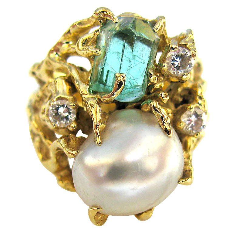 Arthur King, ring, circa 1980. Foto Kimberly Klosterman, goud, parel, diamant, smaragd