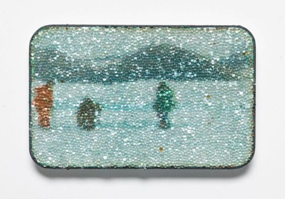 Kirsten Haydon, Ice Sea, broche, 2011. Foto Gallery Funaki, koper, email, fototransfer, glas, zilver