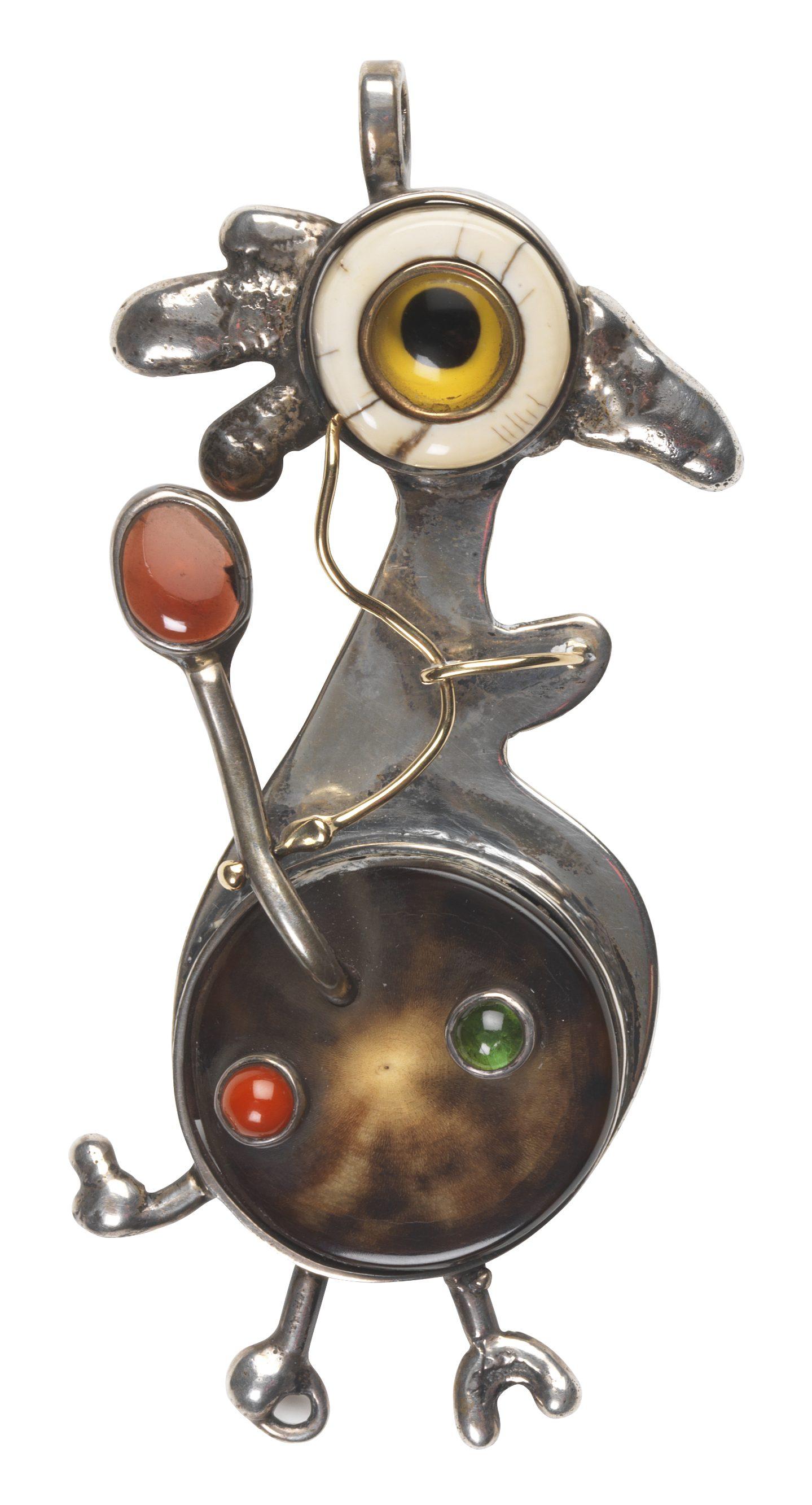 Sam Kramer, Roc pendant, hanger, 1958. Collectie MAD. Foto MAD, zilver, goud, ivoor, hoorn, koraal, toermalijn, granaat