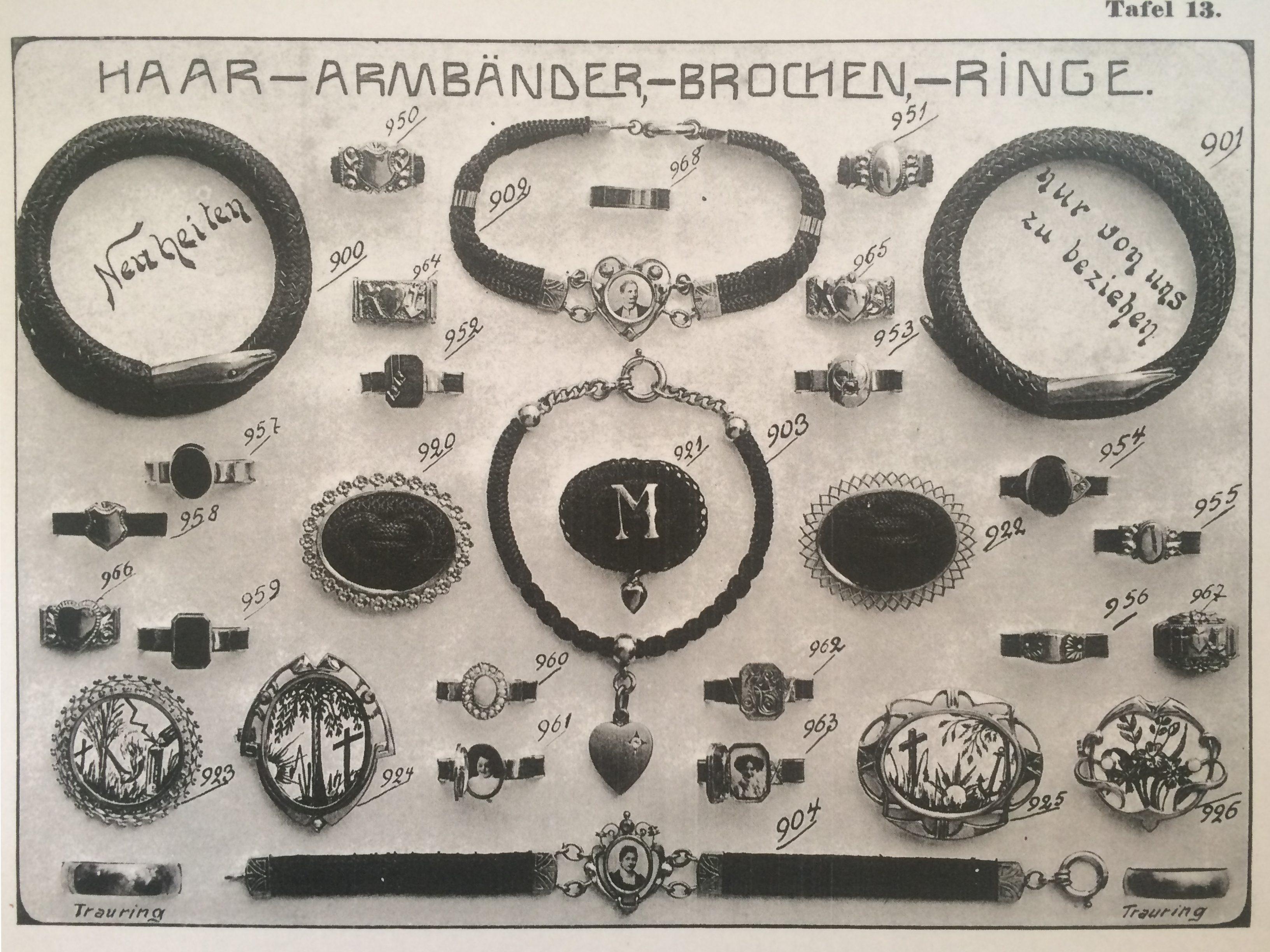 Advertentie voor machinaal vervaardigd haarwerk, circa 1900. Foto Karen Andersen, Hårkullorna fra Våmhus, papier