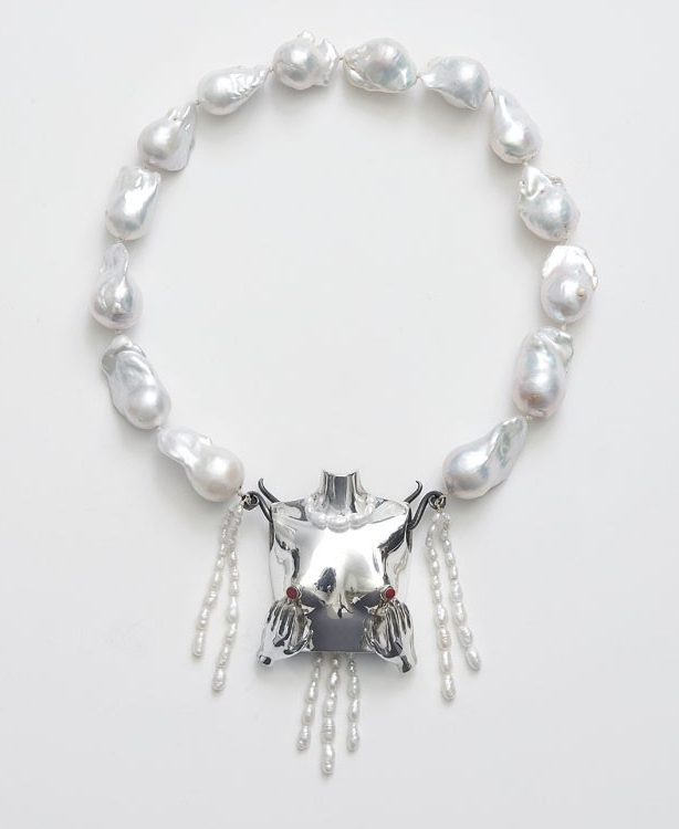 Nhat-Vu Dang, Samantha, halssieraad, 2021, zilver, epoxy