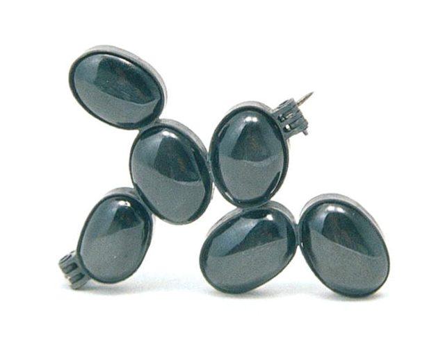 Sally Marsland, Almost Black, broche, 2001, glas, zilver