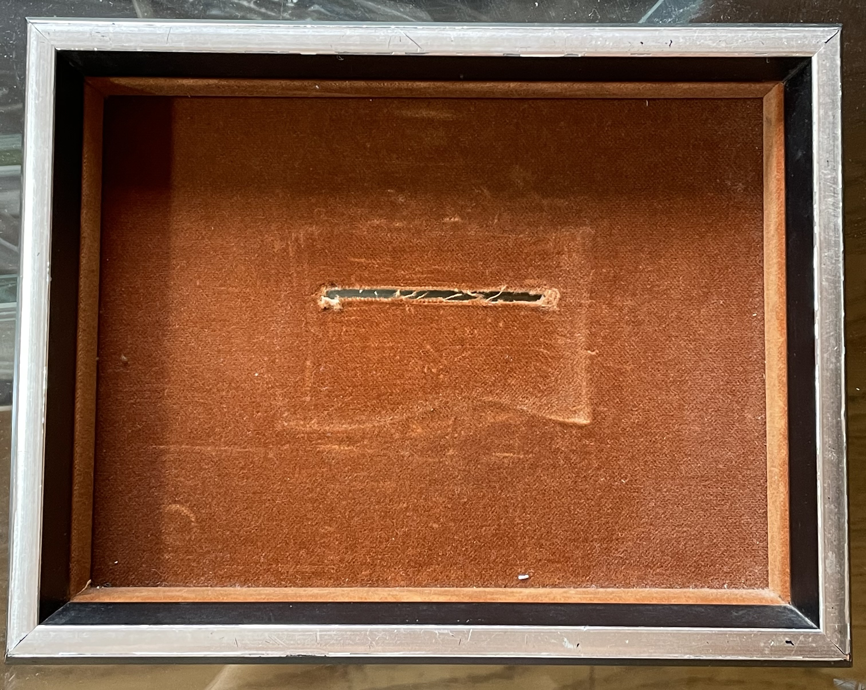 Karel Niehorster, lijst voor broche, 1970. Collectie World Jewellery Museum. Foto World Jewellery Museum