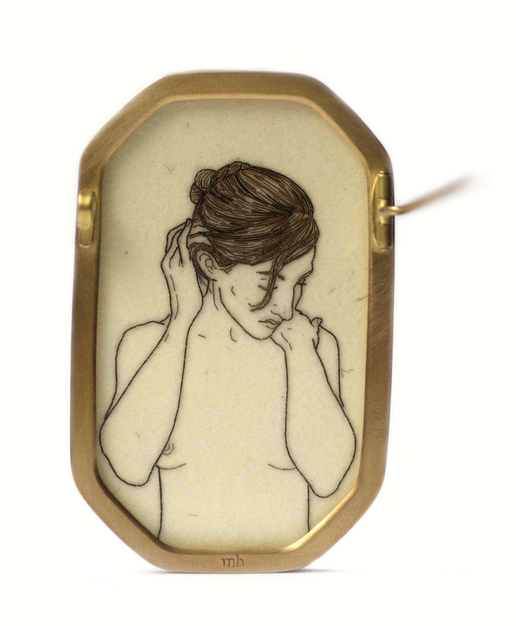 Melanie Bilenker, Smooth, broche, 2013, achterzijde. Foto Sienna Patti, Von Hier und Dort, 2015