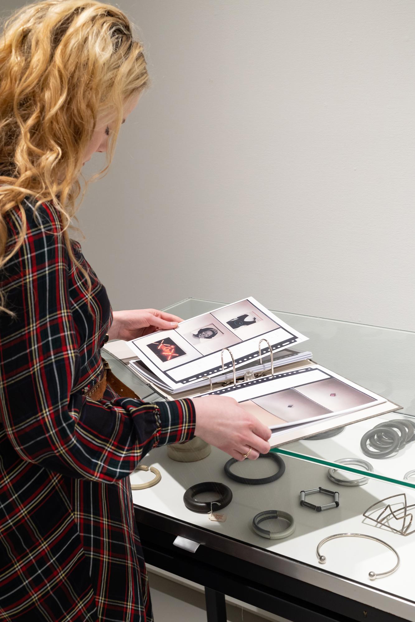 Benno Premsela - Strijder en verleider, Design Museum Den Bosch, 2021, tentoonstelling, vitrine