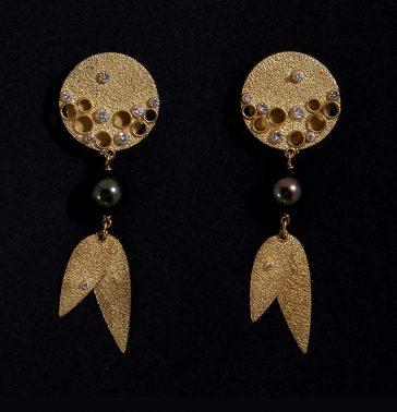 Gerda Flöckinger, #990, oorsieraden, goud, diamanten, parels