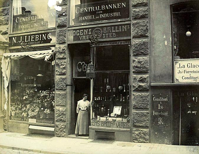 Værksted en winkel Mogens Ballin in Kopenhagen. 1900-1907, gevel, exterieur, etalage