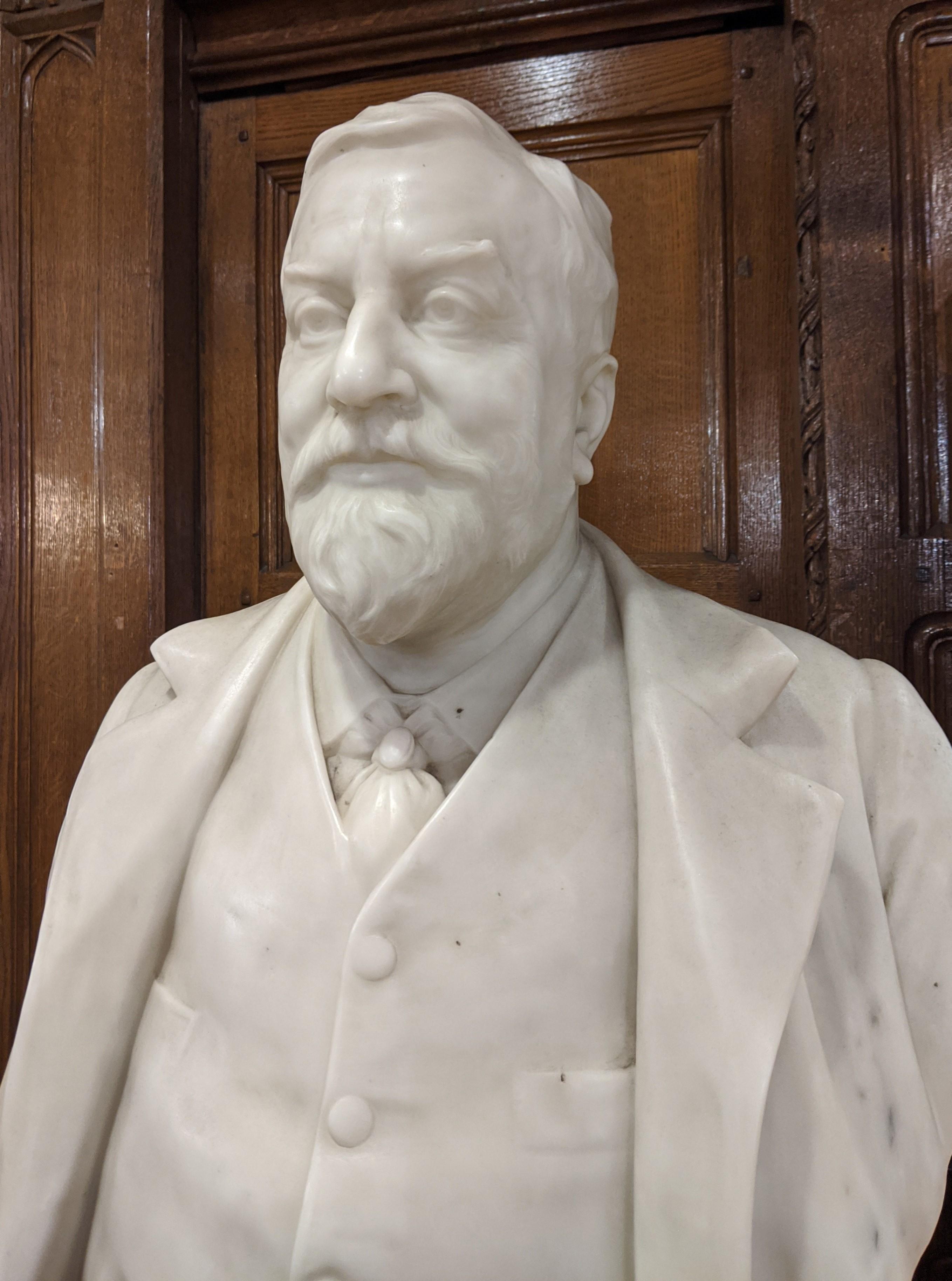 Buste van Arthur Liberty. Foto Hsq7278, 2019