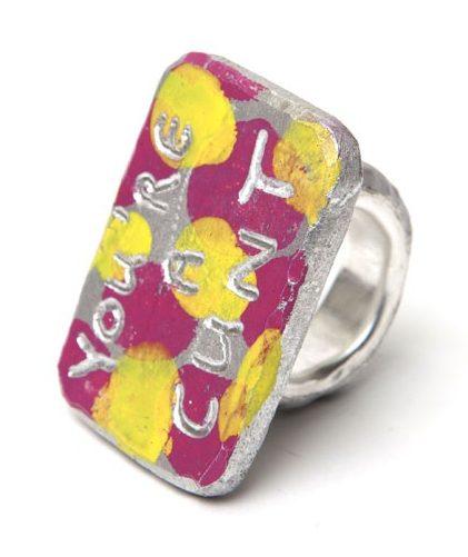Paul Adie, Cuntring, ring, 2020, zilver, aluminium, pigment, verf