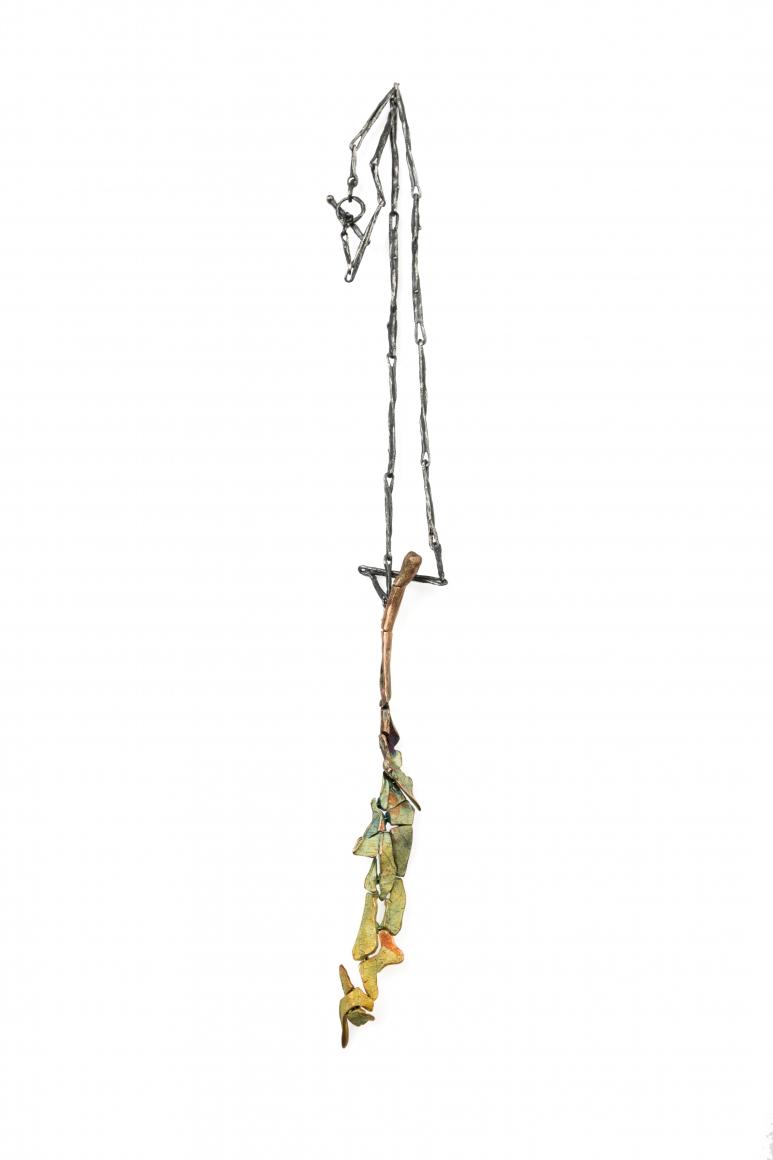 John Iversen, Crackle Leaf Pendant Necklace 4, halssieraad, zilver, goud