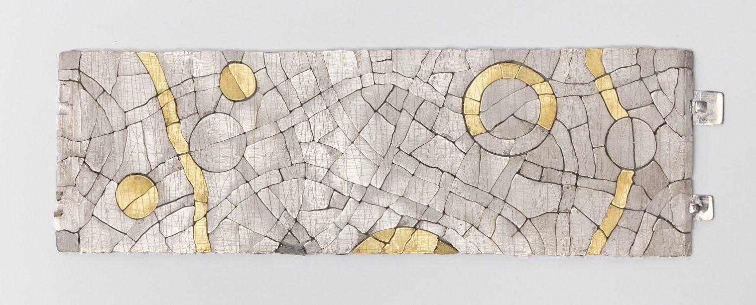 John Iversen, Blanket, armband, 2019, goud