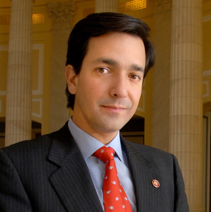 Luis_Fortuño_congressional_portrait