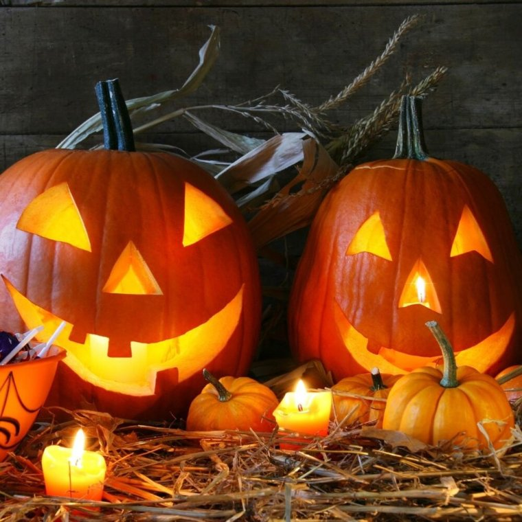 There are actually a few different versions of the myth of the jack-o-lantern, but they're actually recent enough that they are peppered unfortunately with mentions of Satan. (Insert pagan eye-roll here.) BUT, history is history and I promise the story so here it is: