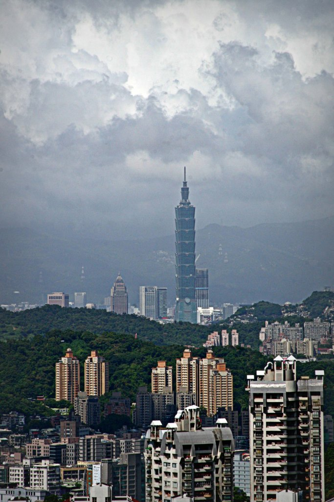 Taipei 101, with the typhoon moving in.