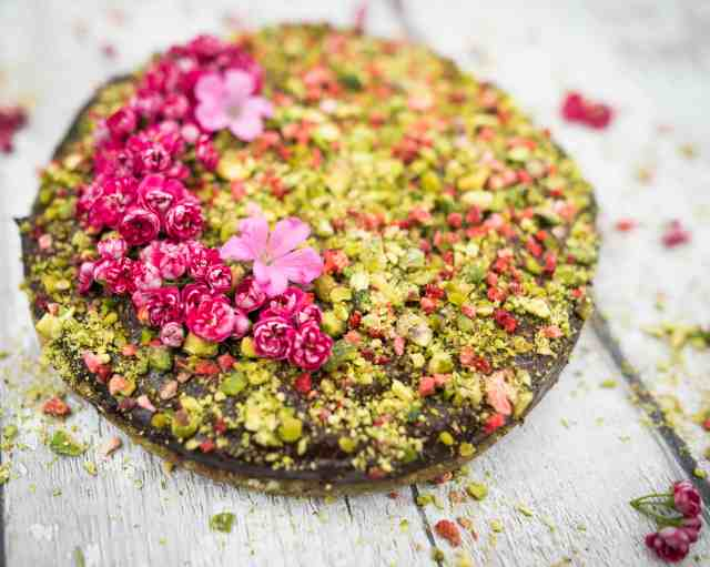 Clean eating raw chocolate pistachio cake recipe using only natural, healthy, and good for you ingredients. No baking involved. Dairy free and gluten free.