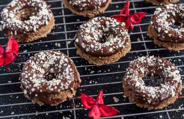 Gingerbread chocolate doughnut recipe full of rich, deep flavours of ginger, cinnamon and nutmeg.Gluten and dairy free, the perfect breakfast any day!