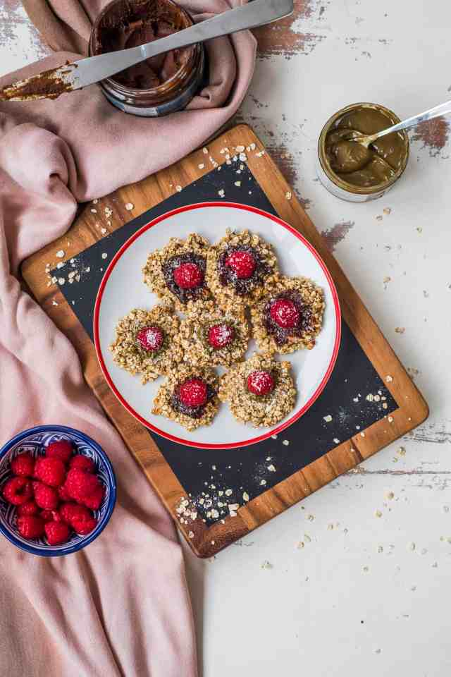 Banana oats cookies recipe made with only 2- ingredients! Perfect breakfast on the go, snack after gym or healthy packed lunch box snack for your kids.