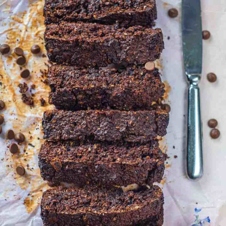 This healthy chocolate oat bread recipe needs only a few basic ingredients to create the best chocolate oat bread ever! It's gluten-free, dairy-free & vegan