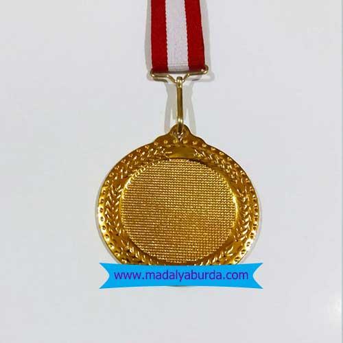 kurdeleli-boş-madalya örneği