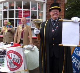 "In September the Mayor sent a strong ""Hands off!"" message to Hull"