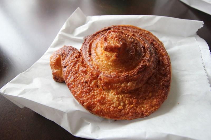 Café Besalu crossiant