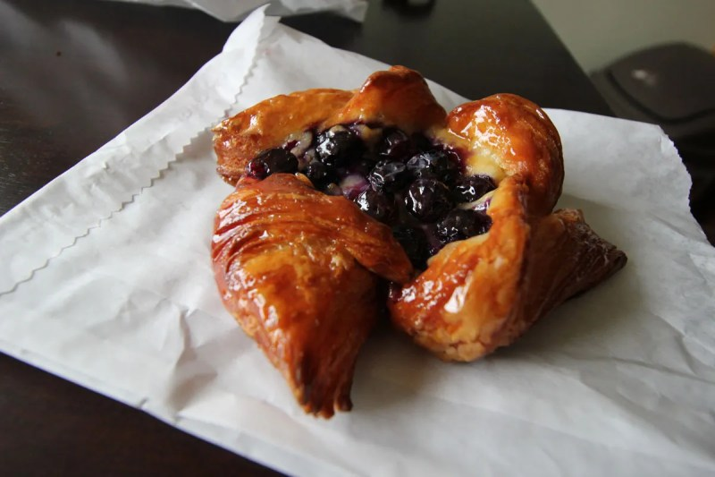 Café Besalu blueberry danish