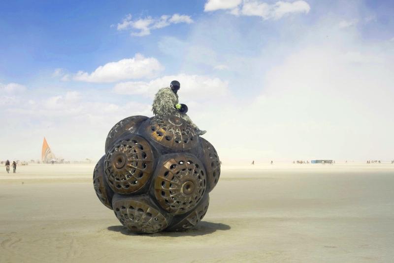 Art Basel Miami - Burnig Man Mars Molecules 2015_16 - courtesy of miami project