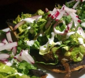 fonda comida mexicana Tostada de Carne